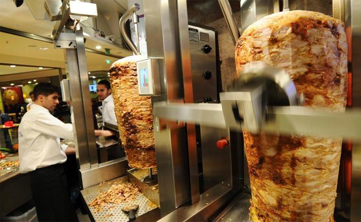 Se especuló mucho sobre la posible prohibición de los kebabs en la UE