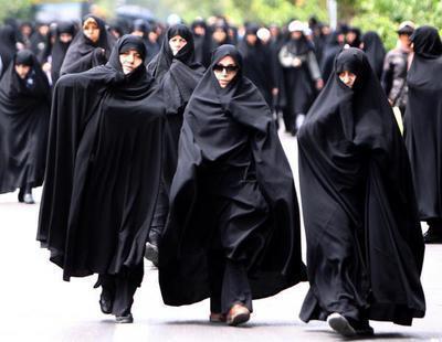 Irán dejará de encarcelar a las mujeres que no cubran su pelo por la calle
