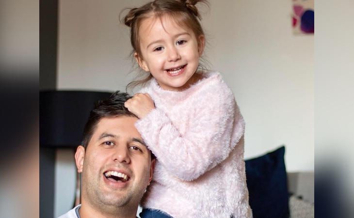La camarera se disculpó ante el padre por emborrachar a su hija