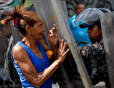 Un policía mata a una embarazada de 18 años que criticó la falta de comida en Venezuela