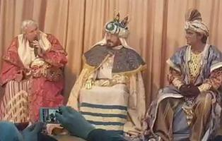 Chiquetete se carga la ilusión de los niños al quitarse el disfraz de Rey Mago