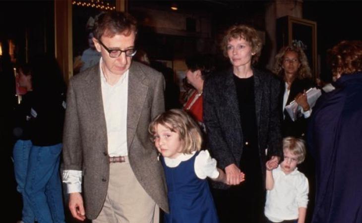 Dylan Farrow, hija adoptiva de Allen, denunció en una carta abierta en 2014 los abusos de su padre cuando era una niña