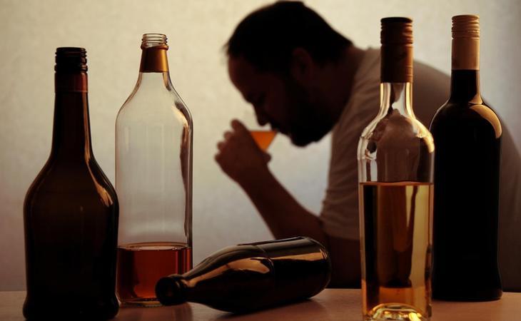 El paciente terminó desarrollando problemas con el alcohol