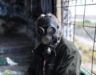 Inhala disolventes químicos y termina con un trastorno de ansiedad crónico y depresión
