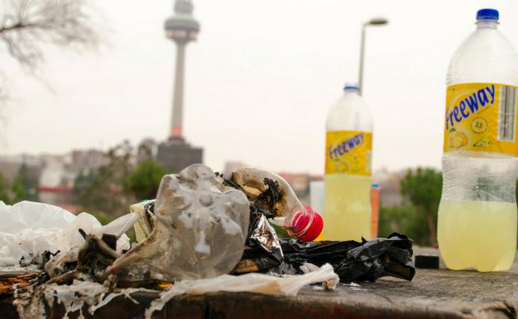 La suciedad, uno de los grandes problemas del botellón
