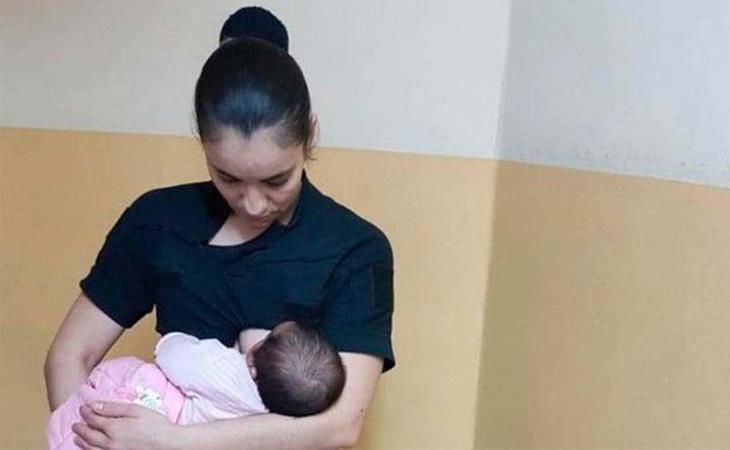 La agente de Policía salvó la vida del menor amamantándolo