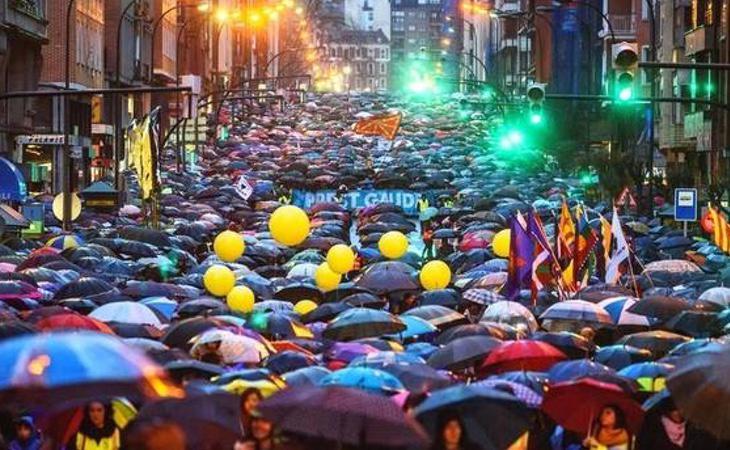 La manifestación reclamaba el retorno de los presos de ETA al País Vasco