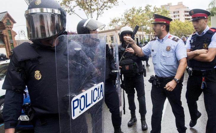 Discusión entre Mossos y Policía Nacional el 1-O