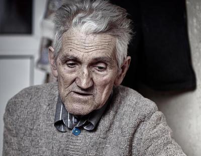 A juicio por hacer creer a su abuelo que tenía un tumor cerebral para quedarse con su dinero