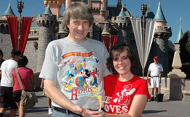 La familia iba constantemente de vacaciones a Disneyland