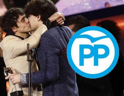 El PP se apropia del discurso de Javier Calvo en los Premios Feroz