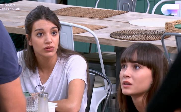 Las caras de Ana y Aitana ante la bronca de los profesores