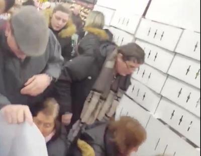 """Pánico en el supermercado por la venta de Nutella al 70% de descuento: """"Son como animales"""""""