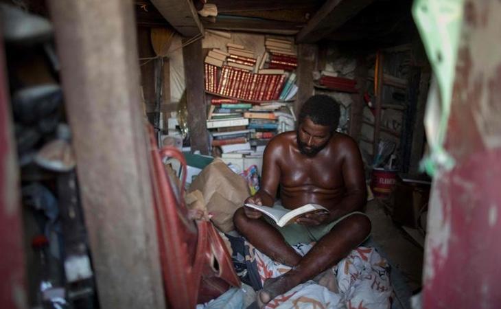 Una de las pasiones de Marcio es la lectura