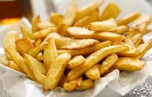 Los dañinos efectos de las patatas fritas que se desarrollan tras 5 segundos de consumo