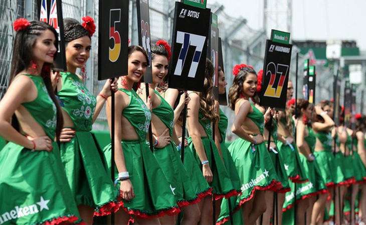 La presencia de azafatas en Fórmula 1 responde a una clara cuestión sexista