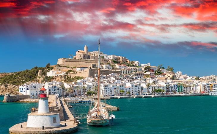 Ibiza no es solo fiesta, también es la fortaleza costera mejor conservada del Mediterráneo