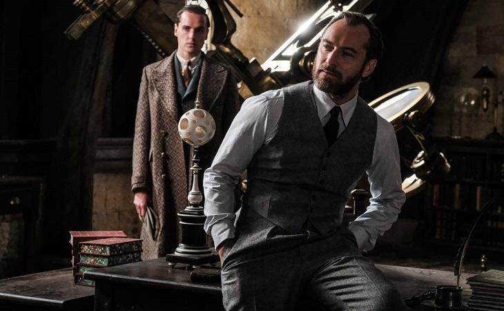 Jude Law como el joven Dumbledore en 'Animales fantásticos: Los crímenes de Grindelwald', de David Yates