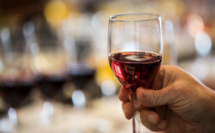 Una copa de vino puede ser beneficiosa como nos indicaba el médico de cabecera