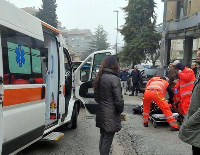 Un hombre dispara desde un coche a varios inmigrantes en una ciudad del centro de Italia
