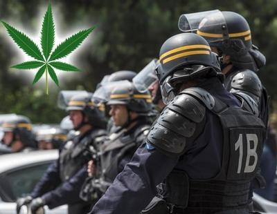 Detenidos dos policías de Canadá por consumir toda la marihuana intervenida en un registro
