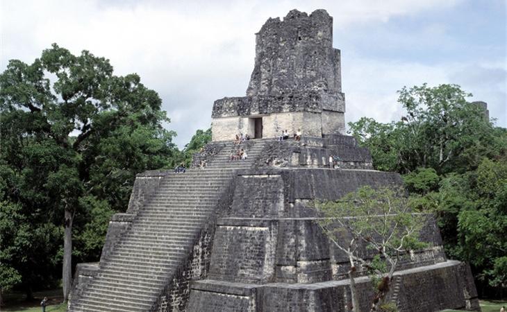 La selva de Petén ya tenía monumentos mayas en su zona más accesible