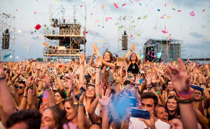 La música continúa en los festivales