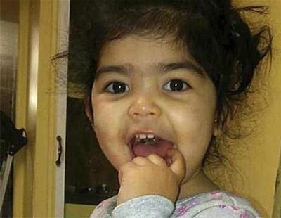 Una guardería depila las cejas con cera a una niña de 2 años sin el permiso de la madre