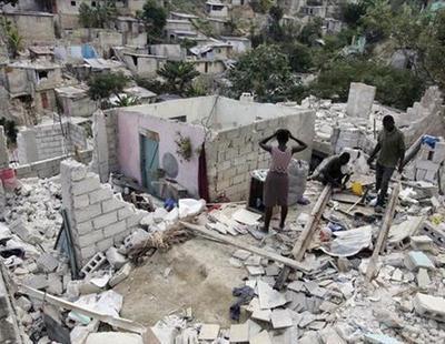Altos cargos de Oxfam realizaron orgías con prostitutas en Haití tras el terremoto