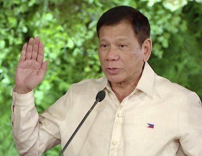 """El presidente filipino anima a """"disparar en la vagina"""" a las guerrilleras porque sin ella """"son inútiles"""""""