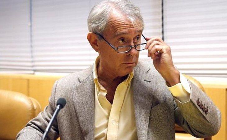 Eduardo Larraz, hombre de confianza de González en Arpegio, fueexpulsado de un banco suizo en 2008 por sospechas de corrupción