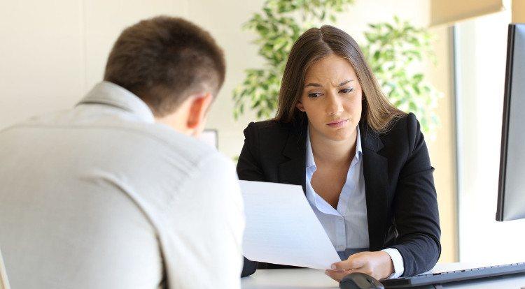 El techo de cristal es uno de los factores que alimentan la brecha salarial de género