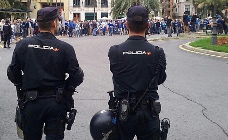 La policía detuvo al hombre en su trabajo