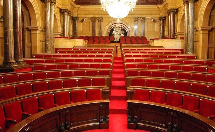 La inactividad del Parlament ha dado vía libre a La Moncloa
