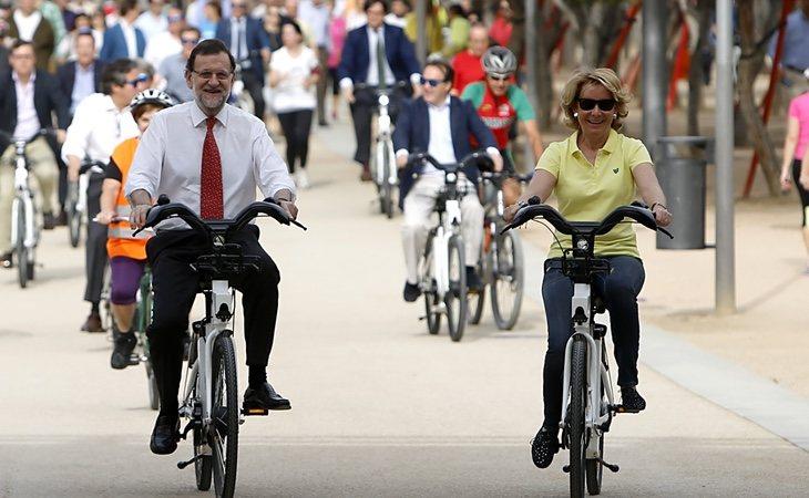 Aguirre asegura que mantiene el contacto con Mariano Rajoy