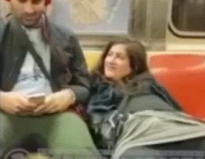 Una mujer se masturba en pleno metro de Nueva York y pide ayuda a un viajero