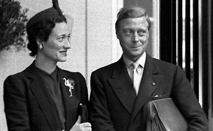 Eduardo VIII renunció a la corona para contraer matrimonio con Wallis Simpson