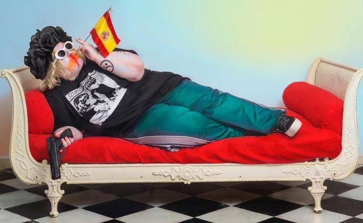 'Fumando España 2018', obra de arte protagonizada por Soy una Pringada