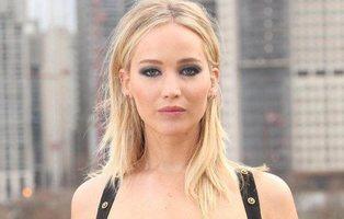 """La polémica del vestido de Jennifer Lawrence: ¿es feminismo criticarla por """"decidir""""?"""