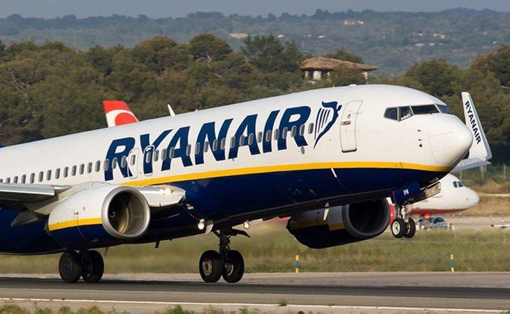 La compañía se negó a cambiar el vuelo de la pareja y creyó fielmente la versión de la supervisora, que dijo que eran