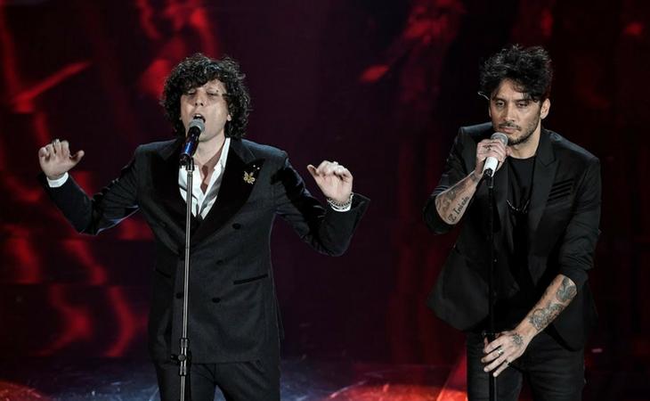 El dúo durante la final de Sanremo