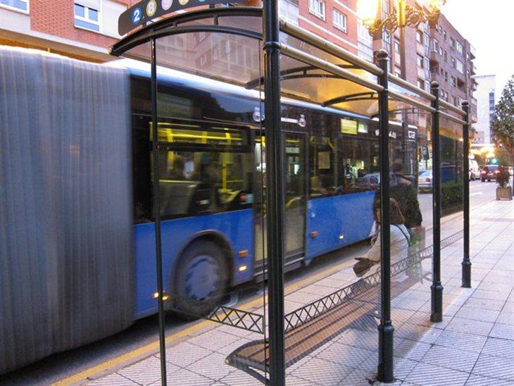 El hombre realizó abusos en varios autobuses urbanos de Oviedo