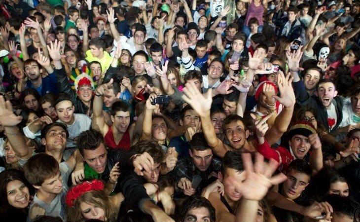 Los jóvenes disfrutaron de los conciertos ajenos a lo que ocurría