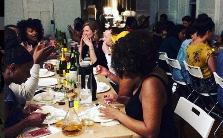 El restaurante reflexionó junto a sus comensales sobre racismo