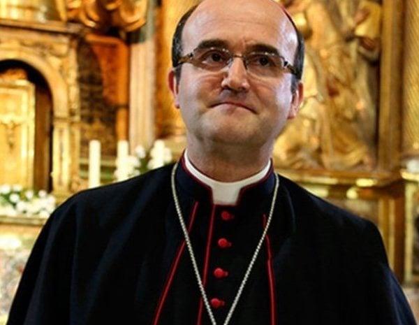 El obispo ha arremetido contra el feminismo en la radio