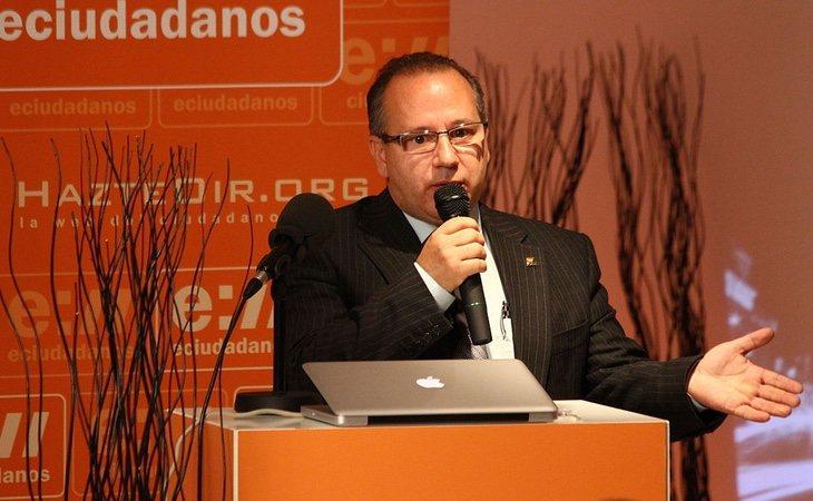 Francisco José Alcaraz defendió la teoría de la conspiración desde la AVT