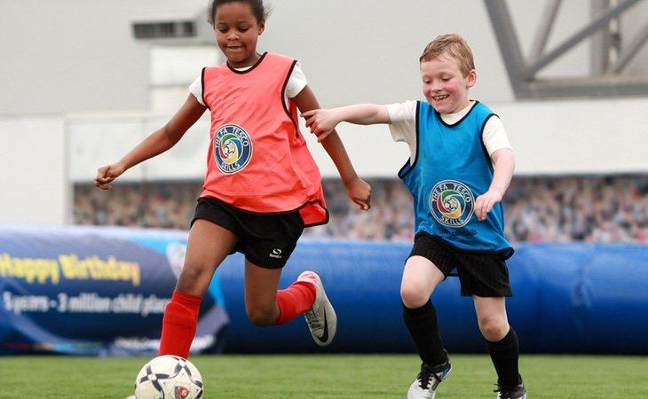 El fútbol debe ser un deporte más en el que quepan tanto niños como niñas