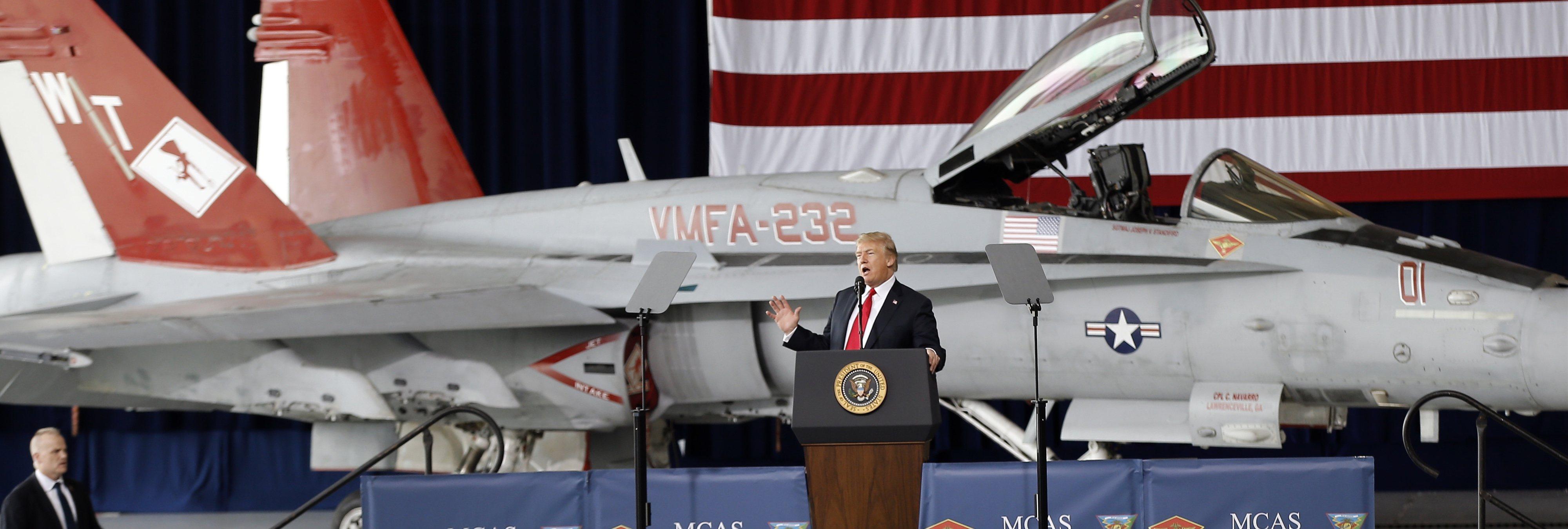 """Donald Trump plantea una """"Fuerza Espacial"""" con la que combatir en la galaxia"""
