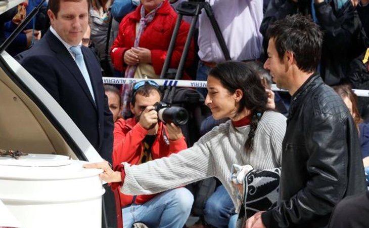 Patricia y Ángel en el funeral de su hijo Gabriel|Foto: Gtres
