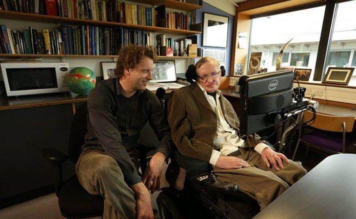 Stephen HawkingyThomas Hertog investigaban sobre el fin del mundo